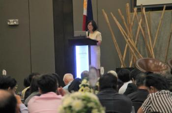 DTI Undersecretary Rafaelita Aldaba delivers the keynote address at the 57th PES Annual Meeting and Conference on 07 November 2019.